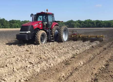 Christian farmers dating on tractor